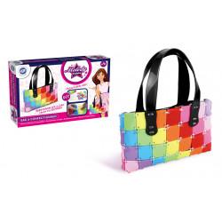 Boîte avec sac multicolore...